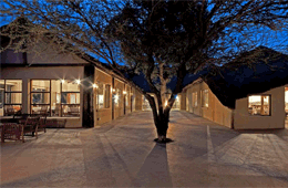Bushfellows Game Lodge & Conference Centre